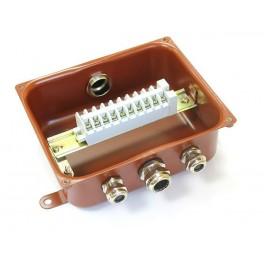 Коробка У615А УХЛ1.5 с латунными сальниками ЗЭТА